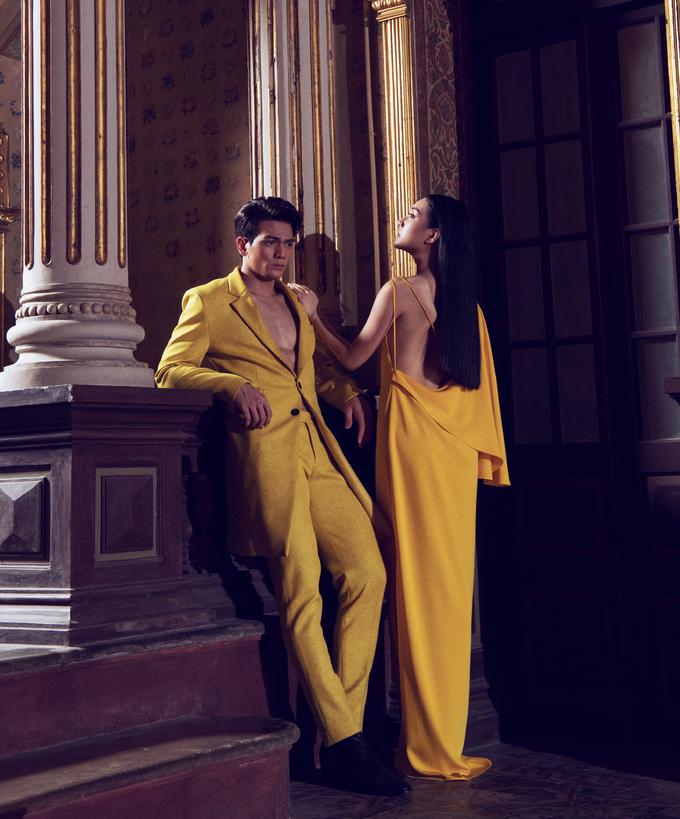 <p> Những bộ suit hở cổ giúp Lê Xuân Tiền khoe khéo vẻ mạnh mẽ, body rắn chắc bên một Ngọc Trân mong manh.</p>
