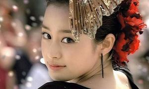 Những khoảnh khắc khiến Kim Tae Hee được bình chọn là 'gương mặt đẹp nhất Hàn Quốc'