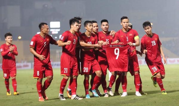 Đồng đội khiến Văn Toàn phát khóc vì hành động ăn mừng ý nghĩa