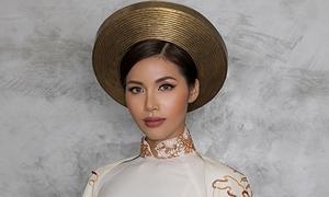Trang phục dân tộc của Minh Tú mang màu sắc 'con rồng cháu tiên'