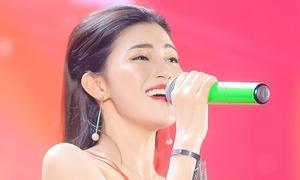 Ngọc Ánh khoe giọng 'khủng' với hit triệu view đầu đời