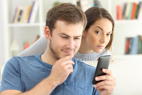 6 dấu hiệu chứng tỏ chàng không yêu bạn thực lòng - 4