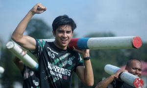 Bộ trưởng 26 tuổi điển trai của Malaysia gây sốt vì tinh thần thể thao