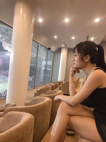 Báo châu Á ngỡ ngàng trước vẻ đẹp của fan girl Việt Nam