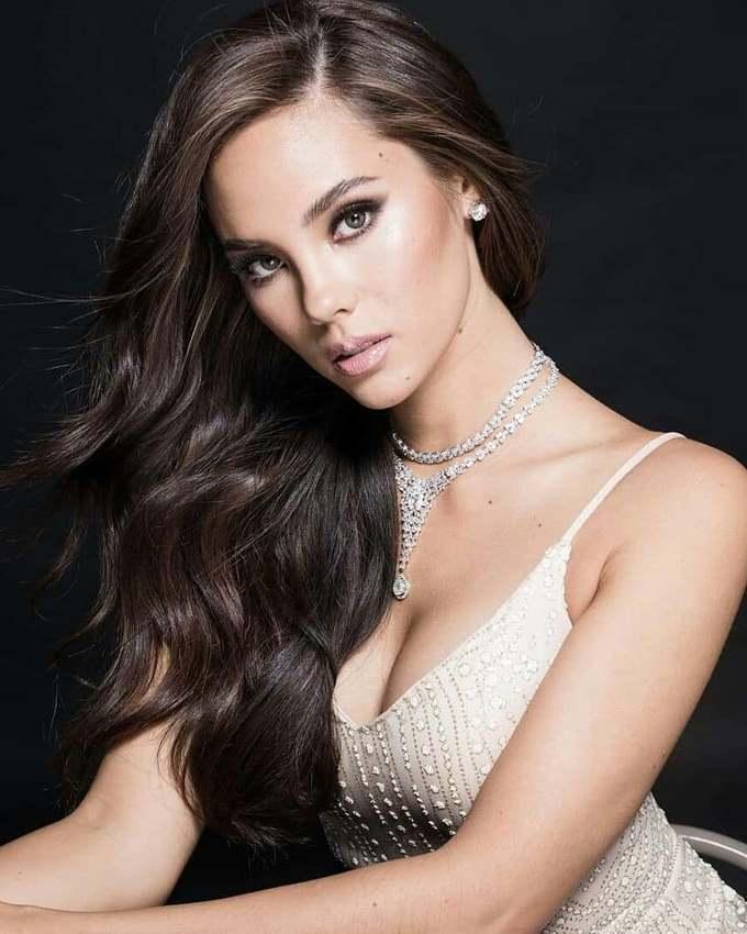 <p> Cô từng tốt nghiệp Cao đẳng âm nhạc Berklee tại quê nhà và hiện là ca sĩ, MC, siêu mẫu nổi tiếng tại Philippines.</p>
