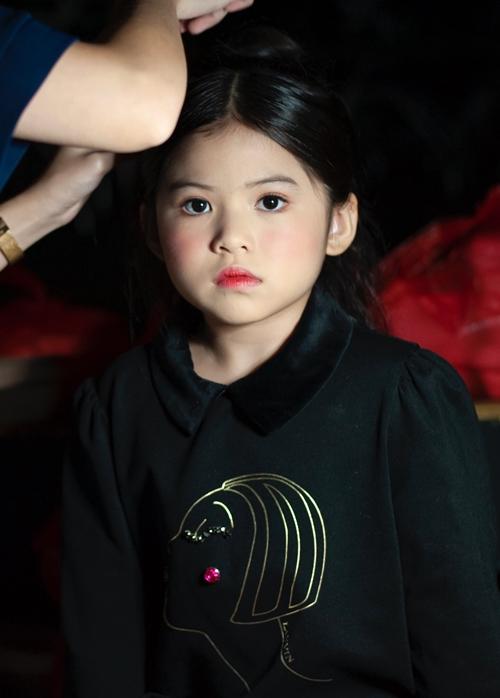Á hậu nhí 6 tuổi gốc Việt tỏa sáng ở Tuần lễ thời trang Malaysia - 4