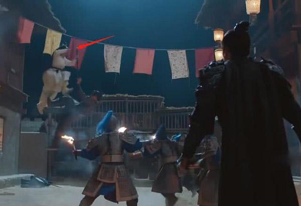 Những cảnh võ thuật của Cảnh Điềm đều được quay từ rất xa và không rõ mặt.