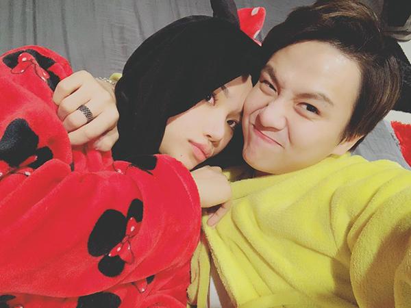 Duy Khánh và Miu Lê thân nhau đến độ có thể nằm ôm nhau ngủ rất tình cảm.