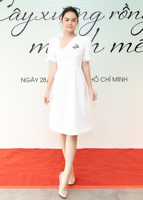 Phạm Quỳnh Anh xinh đẹp ra mắt MV mới sau ồn ào ly hôn