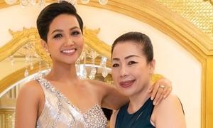 NTK Linh San: 'Làn da và mái tóc của H'Hen Niê tạo cảm hứng cho tôi'
