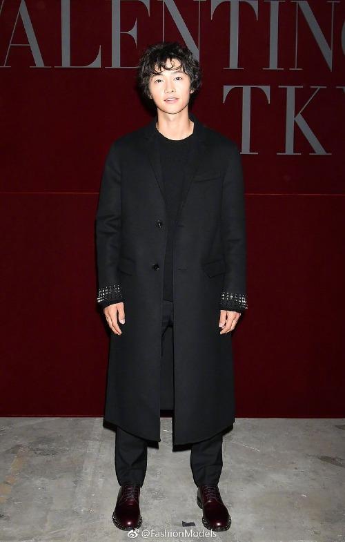 Ngoại hình Song Joong Ki khiến fan hốt hoảng vì Song Hye Kyo xài quá hao