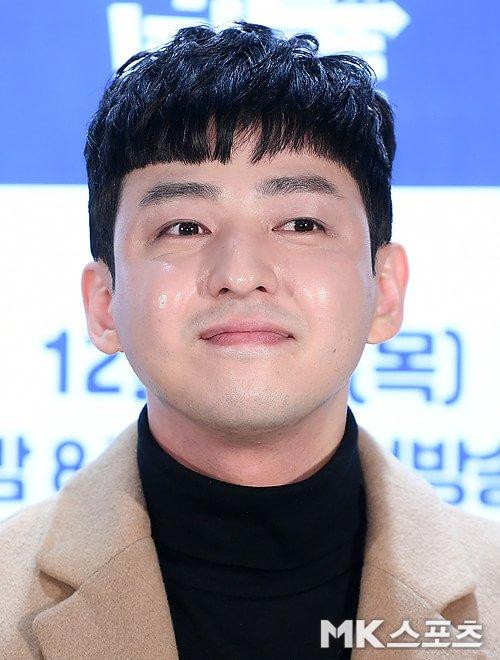 Kim Ki Bum gây thất vọng với khuôn mặt béo tròn.
