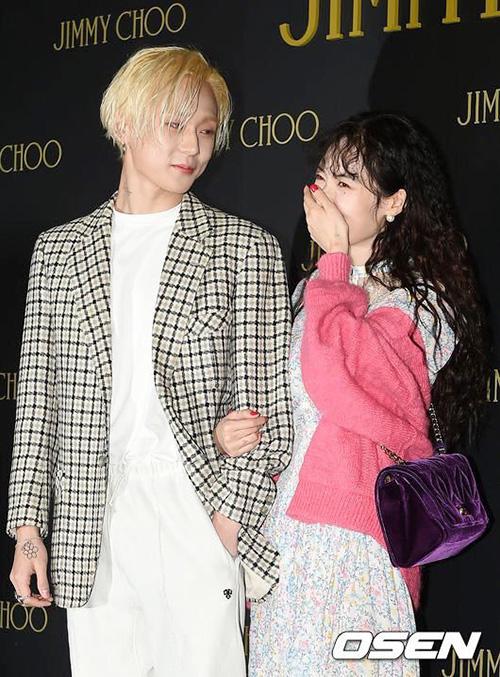 Hyun Ah hóa cô nàng e ấp khi lần đầu xuất hiện cùng bạn trai EDwan - 4