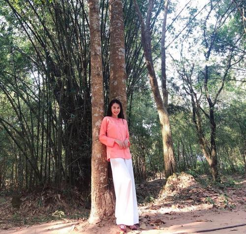 Linh Chi hóa thôn nữ khi tham dự một dự án phim.