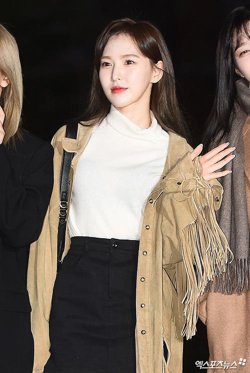 Wendy được khen ngợi ngày càng xinh đẹp sau khi giảm cân, đặc biệt là kiểu tóc lộ trán.