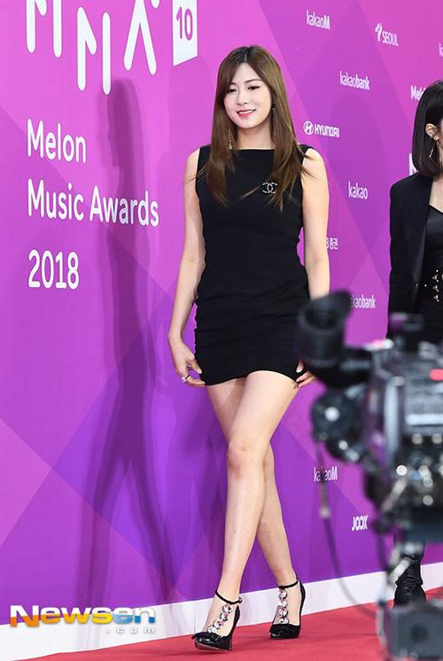 Ha Young là thành viên có hình thể nóng bỏng bậc nhất Apink nhưng thường xuyên bị lu mờ trước độ nổi tiếng của Na Eun.
