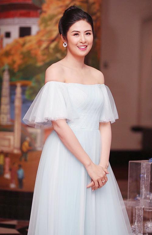 Hoa hậu Ngọc Hân là đàn chị thân thiết với Thùy Dung.