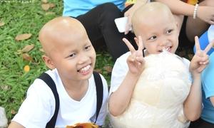'Nụ cười chiến thắng' gây xúc động của các bệnh nhi ung thư
