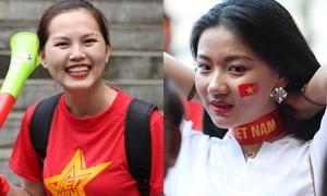 Girl xinh tiếp lửa cho tuyển Việt Nam trước giờ G gặp Philippines