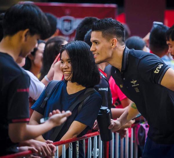 Trong đội tuyển Philippines, anh chàng là người có lượng fan đông đảo