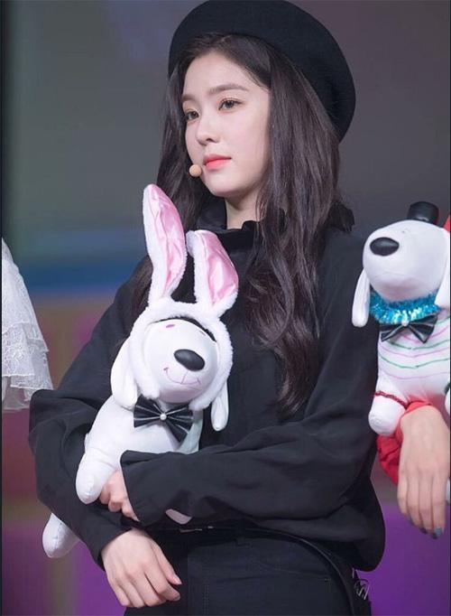 Irene xứng đáng là Nữ hoàng mũ beret trên sân khấu - 5