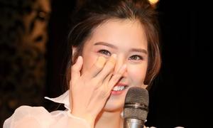Hoàng Yến Chibi liên tục bật khóc trong offline mừng sinh nhật
