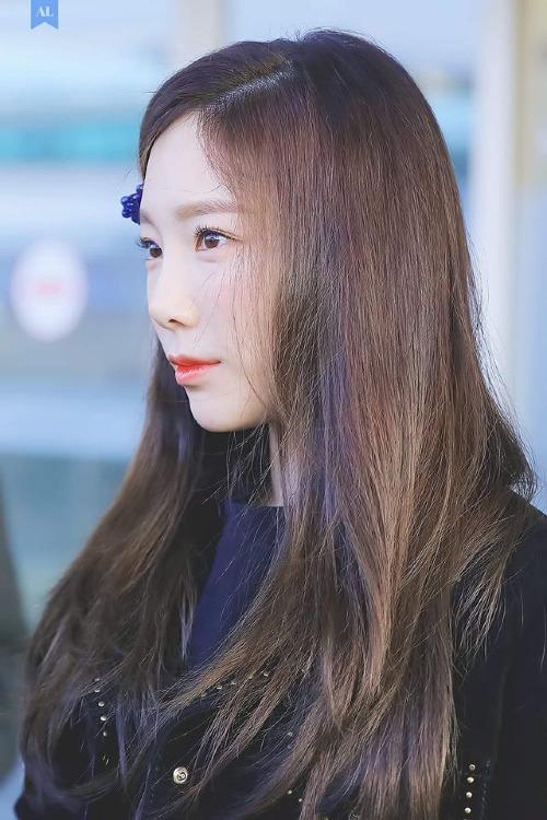Cận cảnh làn da mịn màng, trắng hồng đáng ghen tỵ của Tae Yeon.