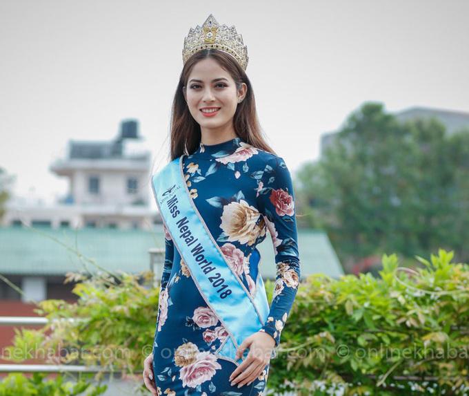 <p> Trong dự án nhân ái xây dựng trung tâm y tế tại Chepang, vùng núi xa xôi của Nepal,Shrinkhala Khatiwad dành hơn 6 tháng để kêu gọi tài trợ ở cả trong và ngoài nước, kể từ khi đăng quang Hoa hậu Nepal. Theo <em>Neostuffs</em>, thời điểm quay video gửi đến Miss World 2018, người đẹp 23 tuổi đã kêu gọi được hơn<u> </u>5 triệu rupee và đang triển khai vẽ bản thiết kế trung tâm y tế.</p>