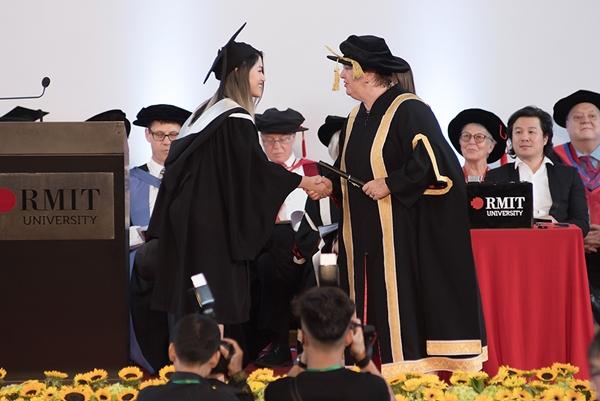 Ngọc Thanh Tâm tốt nghiệp loại giỏi tại ĐH RMIT