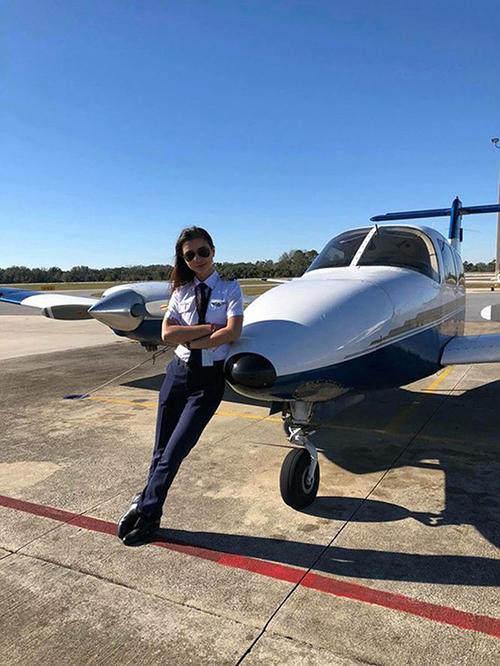 Đã có hãng hàng không khác mời Thúy về làm việc nhưng Thuý vẫn chọn hãng hàng không của Việt Nam. Dù mới đi làm không lâu, Thuý cảm nhận được sự thân thiết ở đồng nghiệp và môi trường làm việc chuyên nghiệp, cùng những điều kiện khá tốt. Thúy hy vọng, tương lại sẽ có nhiều chuyến bay, phục vụ khách hàng tốt nhất, cô tâm sự. Cô từng có 3 năm làm việc tại hãng hàng không Etihad Airways, 9 tháng huấn luyện căn bản tại Mỹ và các khoá huấn luyện khác tại Việt Nam.