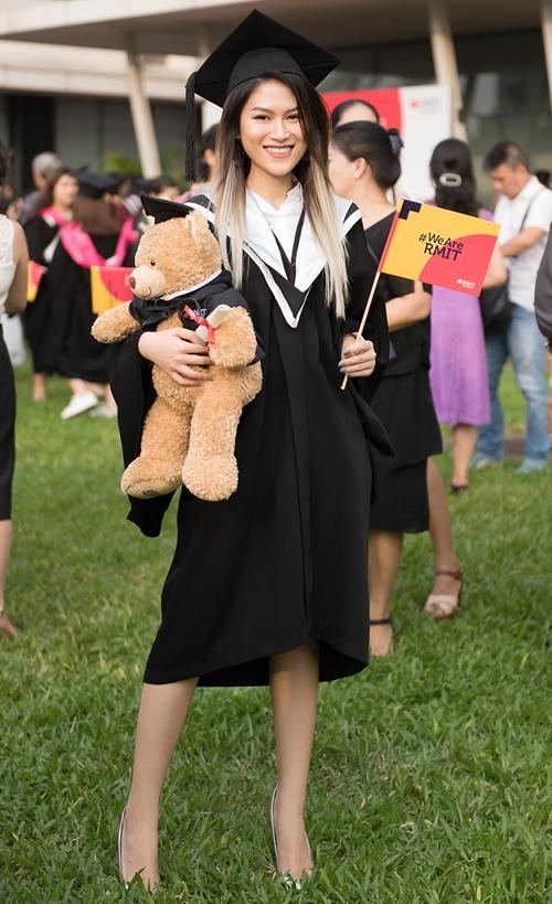 Ngọc Thanh Tâm xinh đẹp trong ngày tốt nghiệp.