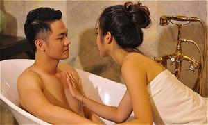 Diễn viên 'Quỳnh Búp bê' hôn Thanh Cường hơn chục lần trong bồn tắm