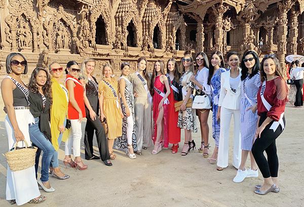 Trước khi ra biển, các thí sinh đi thăm xung quanh tỉnh Choburi, đến một số ngôi đền và tìm hiểu văn hóa địa phương.