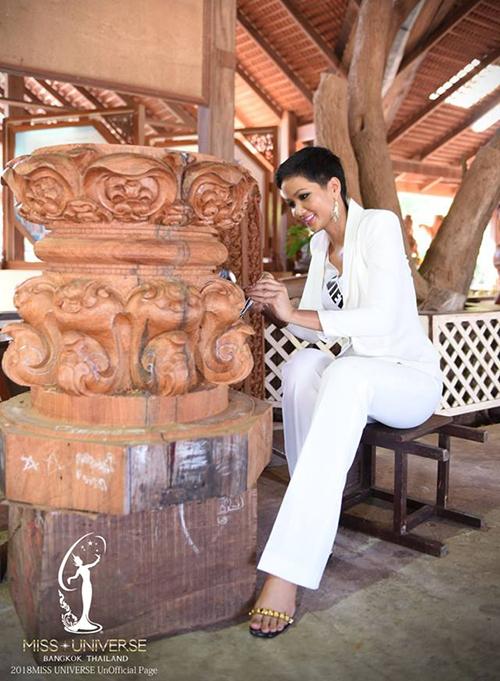 Nhờ mái tóc tém nổi bật cùng vẻ ngoài luôn rạng rỡ, hình ảnh của HHen Niê trong cuộc thi thường xuyên được các báo Thái ghi lại, nhiều lần lên Vogue Thái Lan, thậm chí còn lên trang nhất của một tờ báo in.