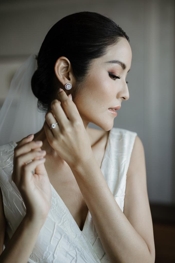 <p> Farung Yuthithum chọn cách làm đẹp đơn giản nhưng sang trọng, cuốn hút trong ngày trọng đại.</p>