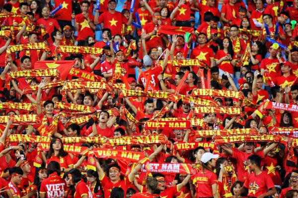 Khán giả Myanmar ước được sống trong không khí bóng đá như ở Việt Nam.