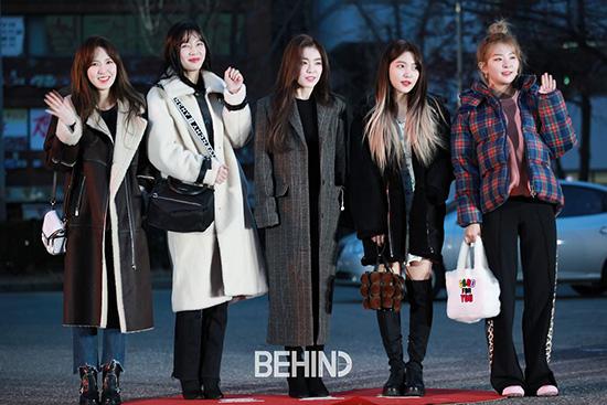 Sáng ngày 7/11, Red Velvet đến tổng duyệt cho show âm nhạc Music Bank. Ca khúc mới Really Bad Boy có thứ hạng thấp trên bảng xếp hạng nhạc số. Công chúng cho rằng lần comeback này thất bại vì nhạc khó ngấm, lộn xộn.