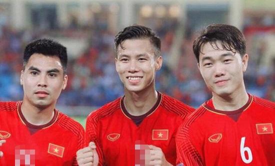 Các cầu thủ Việt Nam tại AFF Cup 2018 mặc áo số mấy? - 8