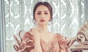 Hoa hậu Hương Giang đẹp cuốn hút không góc chết