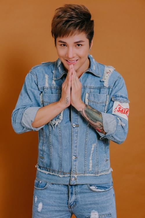 Ca sĩ Lâm Chấn Khang.