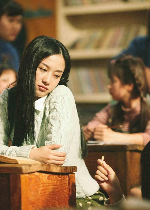 Trong Tháng năm rực rỡ, Jun Vũ chỉ đóng vai thứ chính. Thế nhưng ngoại hình nổi bật, hợp vai của cô đã giúp nữ diễn viên được gọi tên không kém gì hai vai chính của Hoàng Yến Chibi và Hoàng Oanh. Không cần diễn xuất nhiều, chỉ cần Jun Vũ xuất hiện là đã bừng sáng cả khung hình.