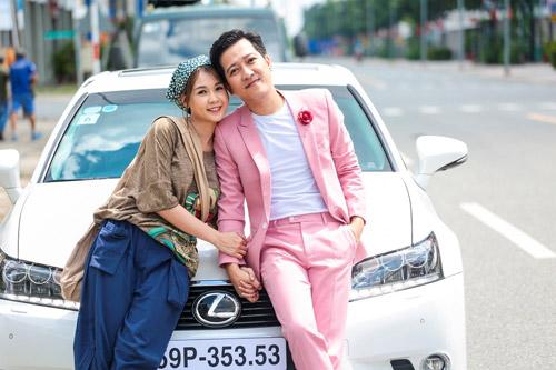 Sam là một trong những diễn viên đời đầu của giới trẻ Việt Nam. Đầu năm nay, Sam tấn công màn ảnh với vai Trúc trong Siêu sao siêu ngố, đóng cùng Trường Giang. Việc phim đạt thành công về doanh thu đã giúp tên tuổi của Sam được đông đảo khán giả biết tới hơn nữa.