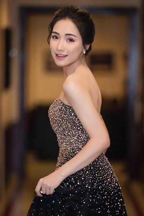 Hòa Minzy - từ cô nàng mờ nhạt đến nữ ca sĩ triệu view ấn tượng - 9