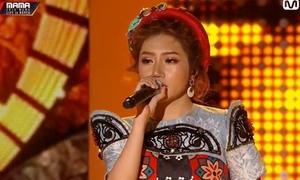 Orange hát 'Người lạ ơi' bằng tiếng Việt - Hàn trên sân khấu MAMA 2018