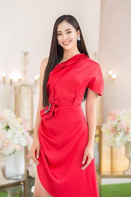 Tiểu Vy về Việt Nam ngay sau cuộc thi Miss World kết thúc.