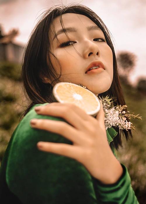 Linh Khiếu từng tham gia The Face 2018 nhưng chưa thành công. Trở lại với cuộc thi này, cô nàng mong muốn sẽ vượt qua được cái bóng của chị gái.