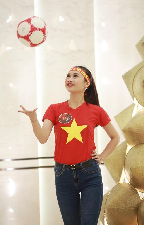 Sinh ra và lớn lên tại vùng đất địa linh nhân kiệt Nghệ An, Phan Thanh Thảo, SBD 147, sinh viên ĐH Kinh tế Quốc dân.
