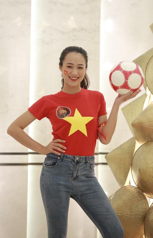 Đinh Quỳnh Trang (SBD 994), sinh viên năm nhất, ngành Quan hệ công chúng, Học viện Thanh thiếu niên Việt Nam.