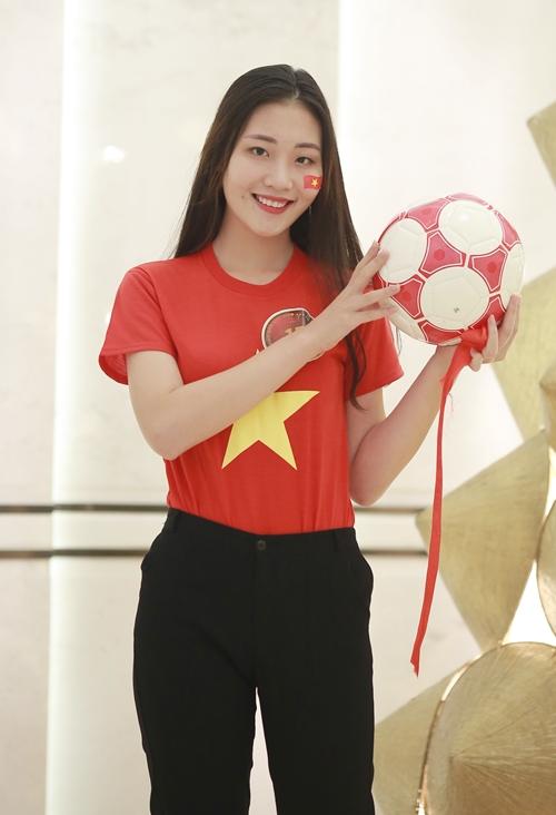 Nguyễn Ngọc Huyền (SBD 15), sinh năm 2000, sinh viên Đại học Văn hóa Hà Nội.