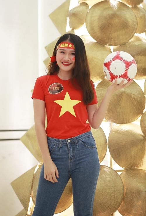 Vũ Thị Thu Hường (SBD 122) sinh viên năm 3 Đại học Thủy Lợi.